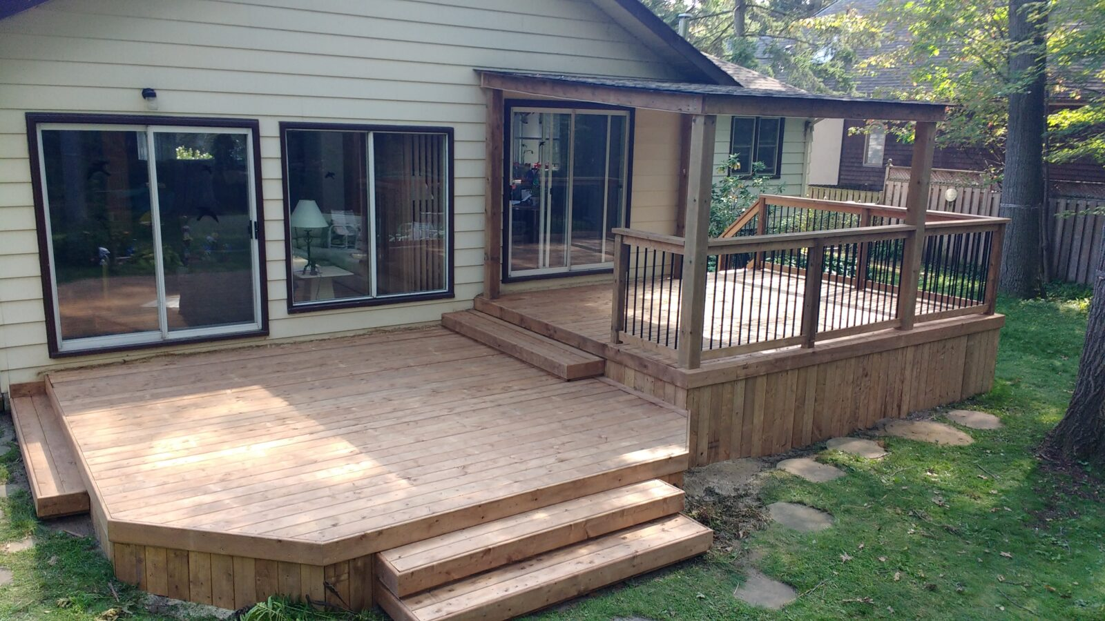 Residential Deck Builder in Burlington